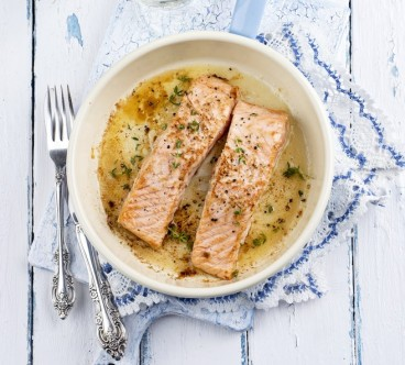 baked salmon fillets in skillet