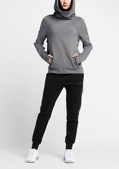 Nike Tech Fleece Pullover in Grey